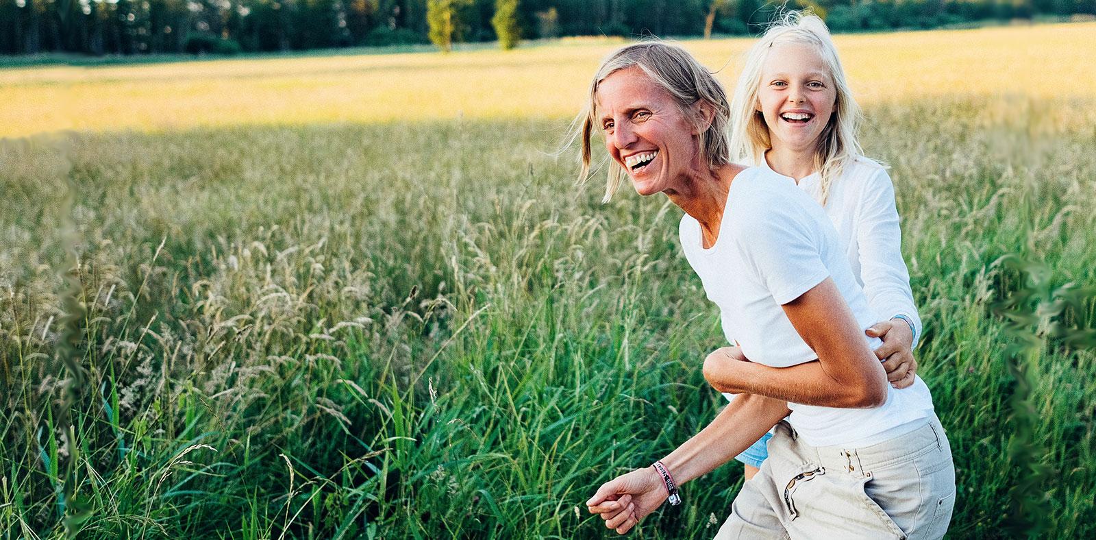 Slider Karin und Lena - Lachend und fröhlich
